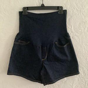 NWOT maternity shorts